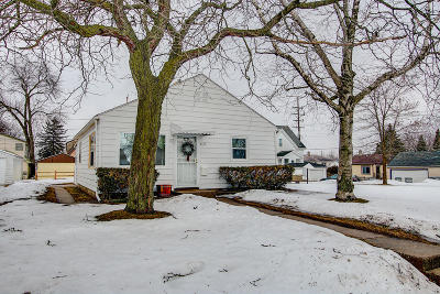 Milwaukee Single Family Home For Sale: 6173 N 36th St