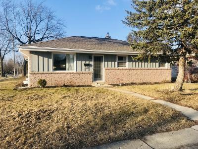 Milwaukee Single Family Home For Sale: 6550 N Fresno St
