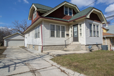 Milwaukee Single Family Home For Sale: 441 S 86th St