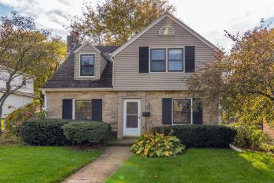 Waukesha Single Family Home Active Contingent With Offer: 1209 Grant St