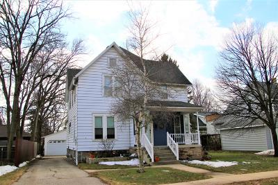 Fort Atkinson Single Family Home Active Contingent With Offer: 208 E Sherman Ave