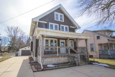 Waukesha Single Family Home Active Contingent With Offer: 921 E Moreland Blvd