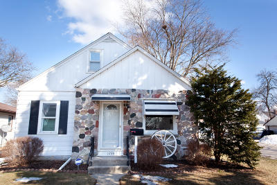 West Allis Single Family Home For Sale: 1236 S 114th St