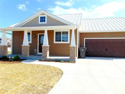Port Washington Single Family Home Active Contingent With Offer: 1831 Farm View Dr