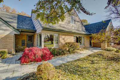 Wauwatosa Single Family Home Active Contingent With Offer: 7424 Maple Ter
