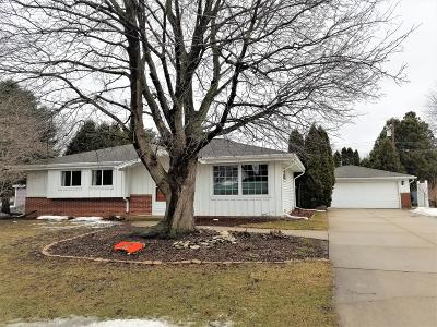 Single Family Home Active Contingent With Offer: W244n6564 Westchester Dr