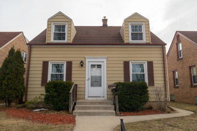 West Allis Single Family Home Active Contingent With Offer: 2430 S 73rd St