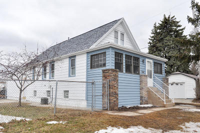 West Allis Single Family Home For Sale: 6019 W Mobile St