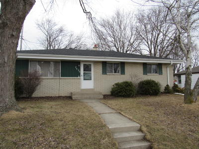 Oak Creek Single Family Home For Sale: 2534 W Sycamore Ave