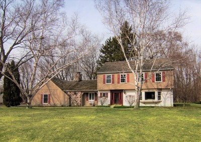 Ozaukee County Single Family Home Active Contingent With Offer: 714 W McIntosh Ln