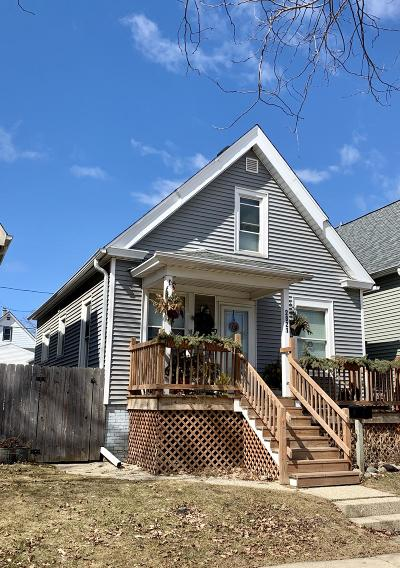 Milwaukee Single Family Home For Sale: 2821 S Greeley