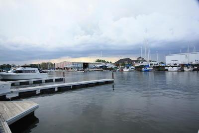 Racine Condo/Townhouse For Sale: 22 Gaslight Pointe Marina
