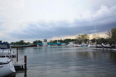 Racine Condo/Townhouse For Sale: 25 Gaslight Pointe Marina