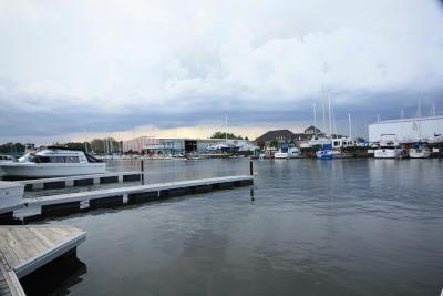 Racine Condo/Townhouse For Sale: 26 Gaslight Pointe Marina