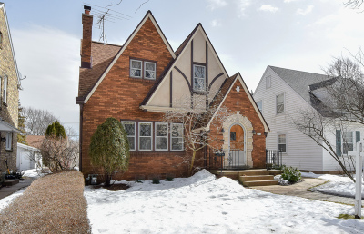 Milwaukee Single Family Home For Sale: 2814 N 79th St