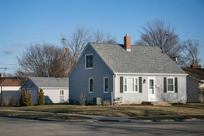 Kenosha Single Family Home Active Contingent With Offer: 5903 39th Ave