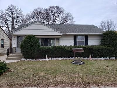 Milwaukee Single Family Home For Sale: 3371 N 96th St
