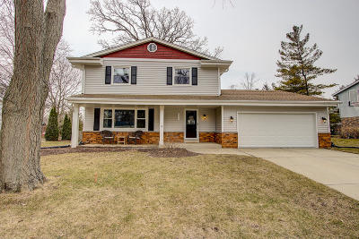 Franklin Single Family Home Active Contingent With Offer: 8033 W Cascade Dr