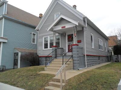 Milwaukee Single Family Home For Sale: 2532 W Legion