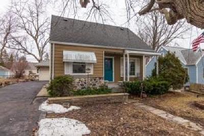 Brookfield Single Family Home Active Contingent With Offer: 1140 Lois Ave