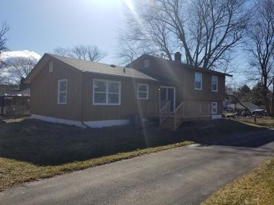 Delavan WI Single Family Home For Sale: $189,900