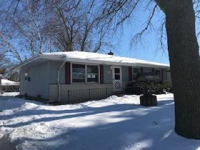 Menomonee Falls Single Family Home Active Contingent With Offer: W147n8244 Manchester Dr