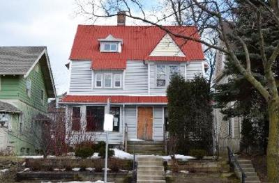 Milwaukee Two Family Home For Sale: 2734 N Maryland Ave