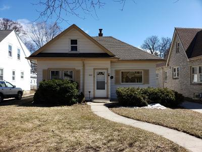 Milwaukee Single Family Home For Sale: 4142 N 40th St
