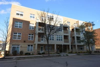 Milwaukee Condo/Townhouse Active Contingent With Offer: 1905 N Water St #203