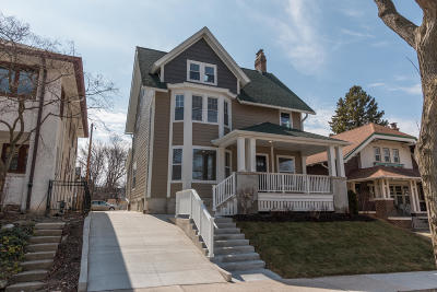 Milwaukee Single Family Home For Sale: 2021 E Newberry Blvd