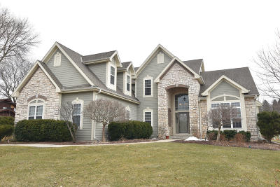 Single Family Home For Sale: N54w21643 Logan #Dr