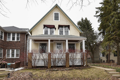 Shorewood Single Family Home For Sale: 4072 N Stowell Ave