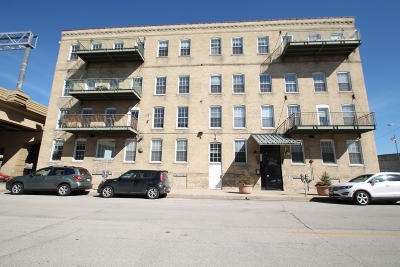 Milwaukee County Condo/Townhouse For Sale: 418 N 3rd St #120