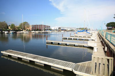 Racine Condo/Townhouse For Sale: 57 Gaslight Pointe Marina
