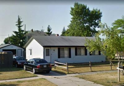Kenosha Single Family Home Active Contingent With Offer: 4817 Pershing Blvd