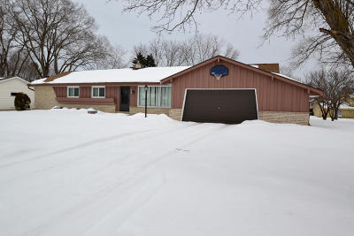 Brown Deer WI Single Family Home For Sale: $249,900