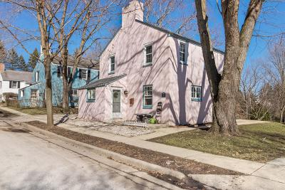 Greendale WI Single Family Home For Sale: $172,500