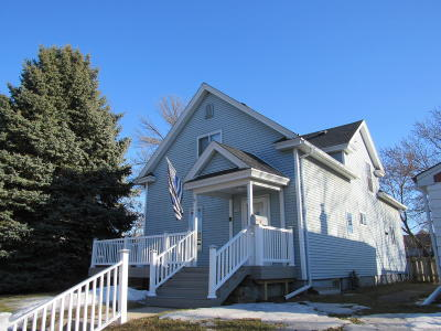 Sheboygan Single Family Home Active Contingent With Offer: 1717 Huron Ave