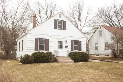 Milwaukee Single Family Home For Sale: 2989 S 55th