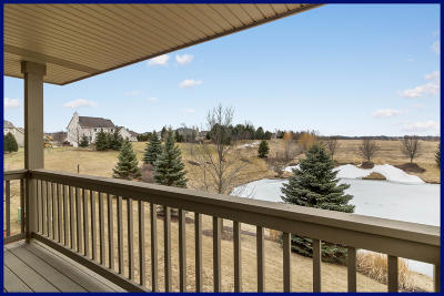 Condo/Townhouse Active Contingent With Offer: W173n5511 Ravenwood Dr