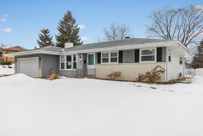 Menomonee Falls Single Family Home Active Contingent With Offer: W143n8291 Oxford St