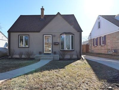 Milwaukee County Single Family Home For Sale: 3530 N 93rd St