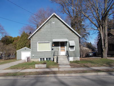 Single Family Home For Sale: 133 Hattie St