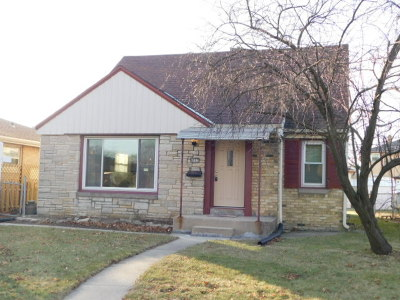 Milwaukee County Single Family Home For Sale: 4927 N 67th St