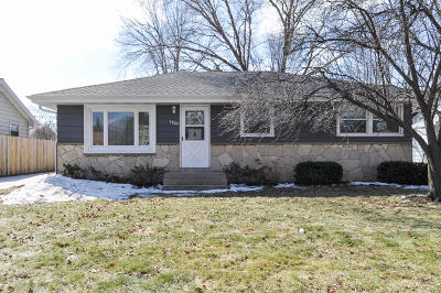 West Allis Single Family Home Active Contingent With Offer: 9809 W Wildwood Ter