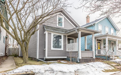 Sheboygan Single Family Home Active Contingent With Offer: 431 Michigan Ave.