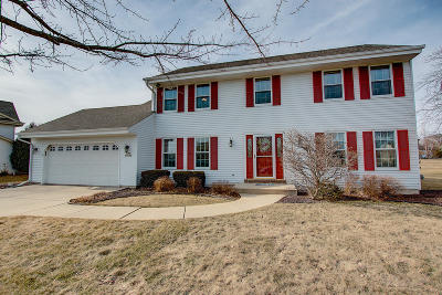 Germantown Single Family Home Active Contingent With Offer: N107w14168 Overlook Ct