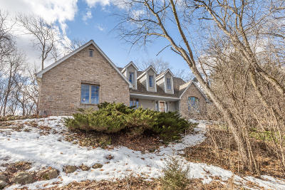 Mukwonago Single Family Home Active Contingent With Offer: S75w32097 Claire Dr