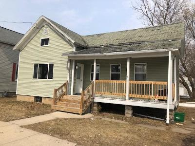 Marinette Single Family Home For Sale: 2534 Taylor