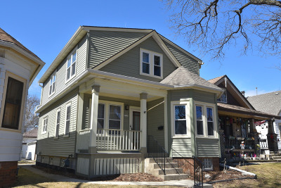 Milwaukee Single Family Home Active Contingent With Offer: 2969 S California St